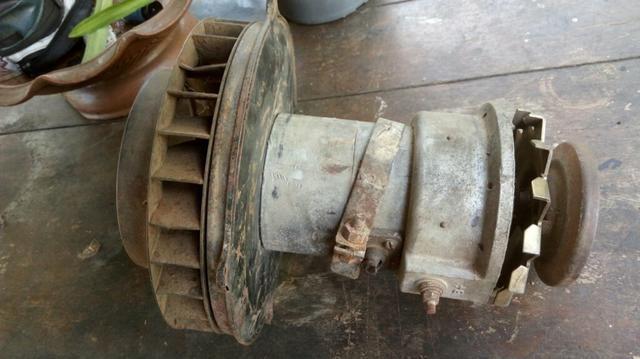 Vendo motor de partida e alternador do fusca