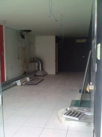 Loja Térrea de Frente para a Fagundes Varela - Ótimo Preço - Foto 4