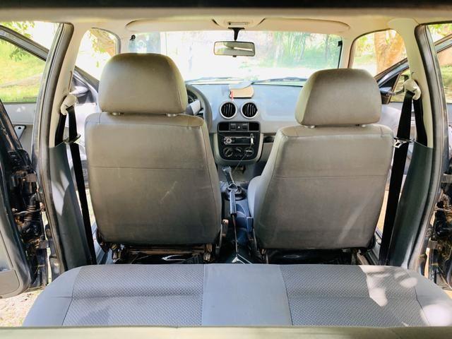 Carro pra troca por carro com carroceria - Foto 5