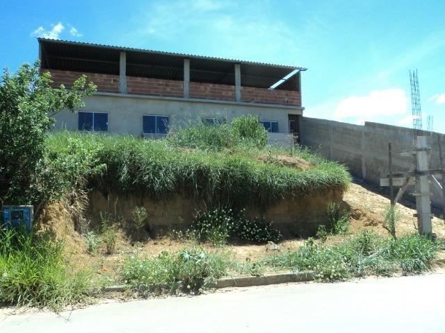 Casa em Construção, Vilage em frente a Multivix