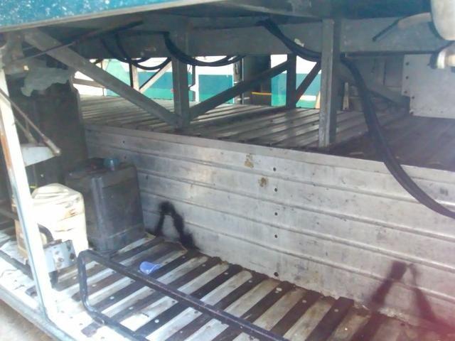 Vendo troco em um mais novo Scania dianteiro ar WC 6 pneus 2 cobertos   - Foto 3