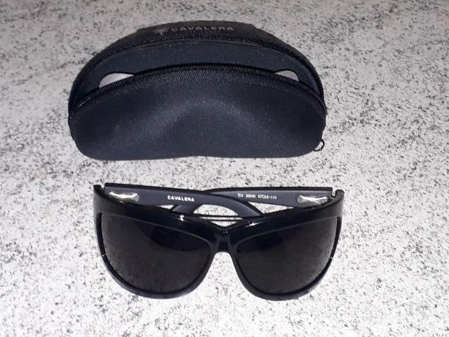4bbb9695b Óculos de sol Cavalera feminino com estojo e lenço mágico limpador de lentes