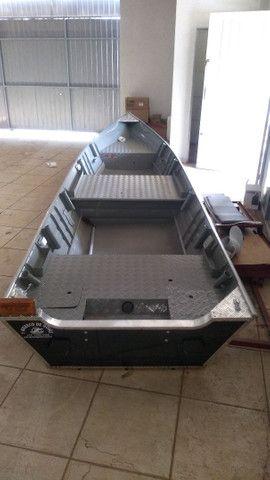 Barco 6 metros borda alta - Foto 6