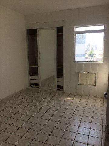 Apartamento na Imbiribeira, com 02 quartos/dependência, no último andar e muito ventilado - Foto 12