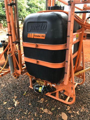 Pulverizador Jacto 600 litros - Foto 4