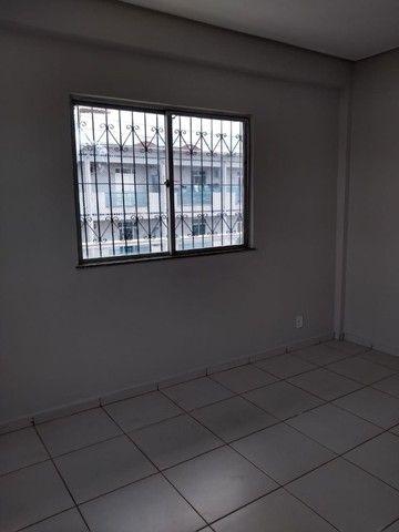 Aluga-se Apto kitnet, sala,1 quarto,cozinha, área serv em Castanhal prox. praça Estrela - Foto 4