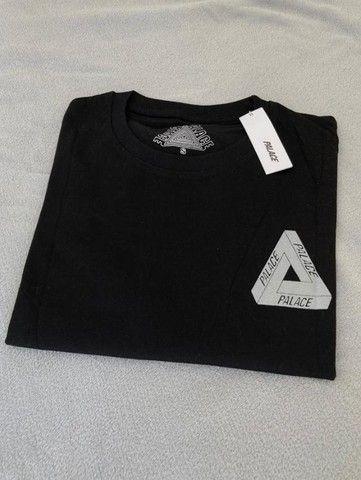 Camiseta Palace Logo Refletivo Tee (SS21) Branca