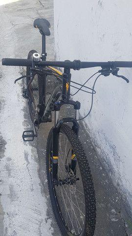 Bike Caloi - Explorer aro 29 - nova e conservada - motivo: viagem! Pagamento à vista - Foto 2