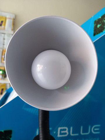 Luminária para mesa ajustável LUATEK cor branca (House eletronics) - Foto 2