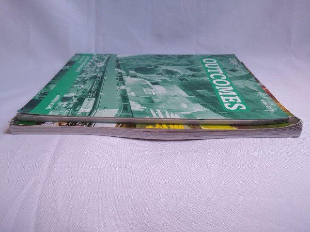 Livros Outcomes - Upper Intermediate student's book + workbook + 2cds - Foto 3