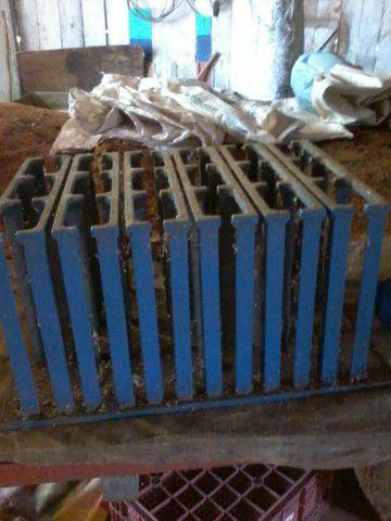 Máquina pneumática  para artefatos de cimento, blocos , pavers, sextavados - Foto 4