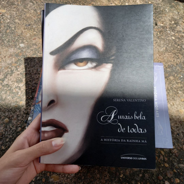 2 livros, Úrsula e A mais bela de todas - Foto 4