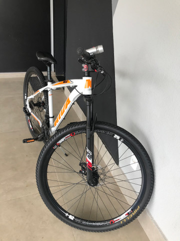 Bicicleta aro 29 21 marchas peças shimano - Foto 2
