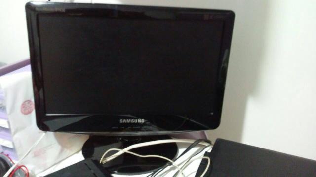 Monitor LCD Samsung 13'