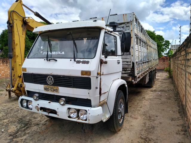 Vendo ou troco Caminhão boiadeiro - Foto 2