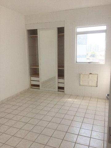 Apartamento na Imbiribeira, com 02 quartos/dependência, no último andar e muito ventilado - Foto 11