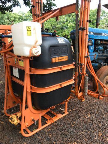 Pulverizador Jacto 600 litros - Foto 2