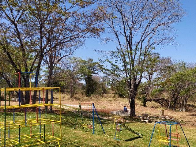 Lote Plano em Condomínio Fechado com Rica Área Verde e Área de Lazer Completo - Foto 5