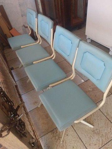 Vendo cadeiras antigas - Foto 3