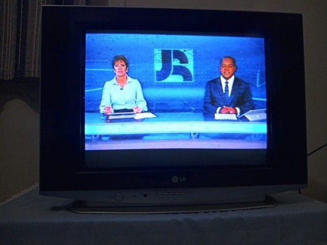 Vendo Tv de Tubo LG 21 polegadas, e Ventilador Britânia  - Foto 4