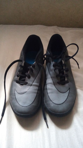 Chuteira Nike Society tamanho 37. - Foto 2