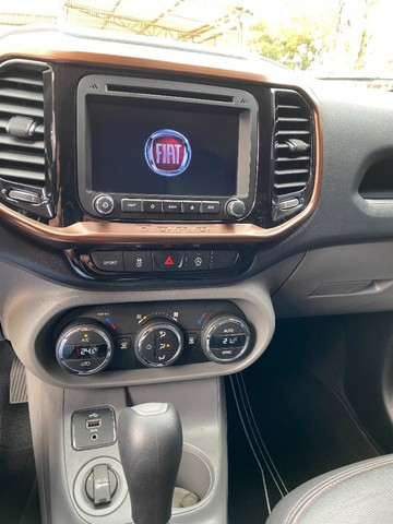 Fiat Toro 2.4 Volcano flex 4P - Foto 9