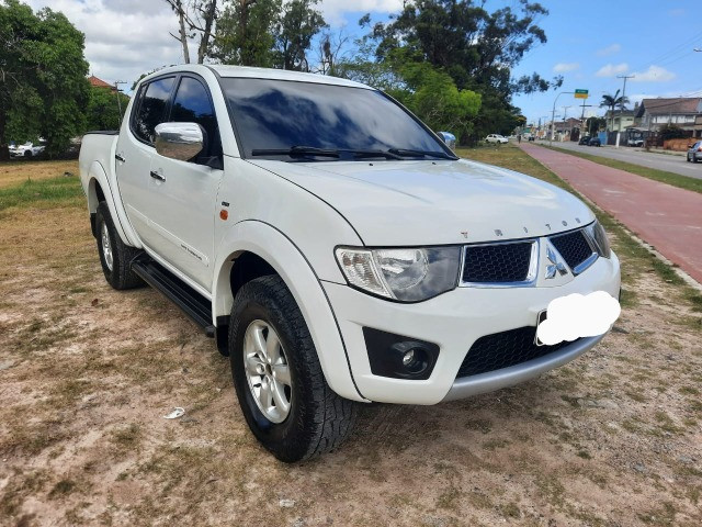 Triton L200, Hpe, 4x4, manual, mais completa