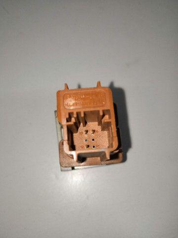 Botão interruptor trava da porta Citroen Picasso - Foto 4