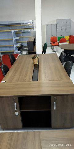 Mesa reunião e cadeiras - Foto 4