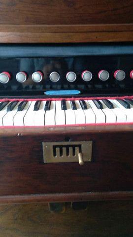 Harmônio-órgão Todeschini - estilo Piano vertical - Foto 3