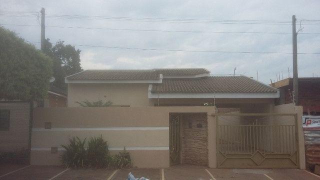 Casa a venda no centro de Andradina - Foto 2