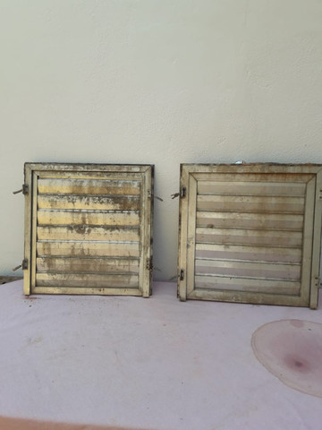 Portas de aluminio tam. 50 x 50 cada $ 120,00 zap. 98687.7951 - Foto 3