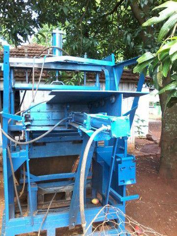 Máquina pneumática  para artefatos de cimento, blocos , pavers, sextavados - Foto 3