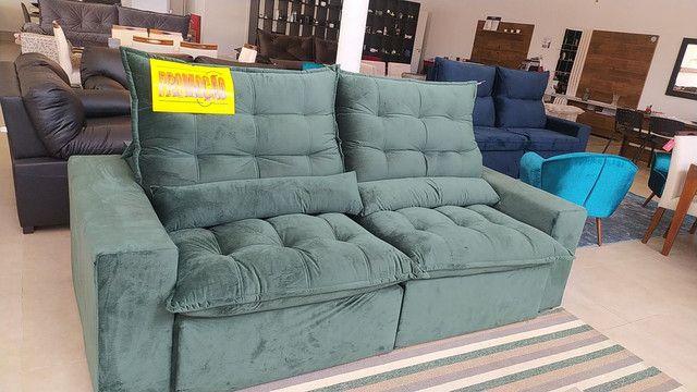 Sofá retrátil é reclinável só 1999,99 12x166,66 - Foto 2