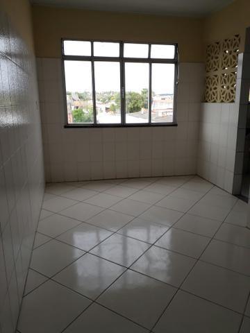 Aluga-se apartamento no Siqueira