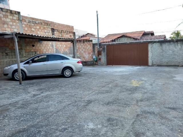 Terreno planissimo, murado, de esquina , 15 metros frente para Rua - 120 Mil