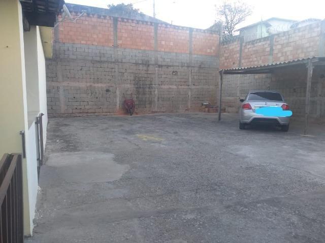 Terreno planissimo, murado, de esquina , 15 metros frente para Rua - 120 Mil - Foto 2