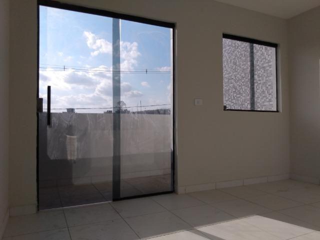 Casa tipo duplex 2 suítes, varandão, garagem coberta com cisterna e quintal Gigante - Foto 12