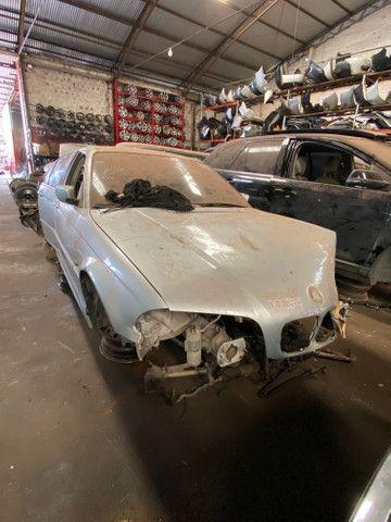 Sucata para retirada de peças- BMW 320i - Foto 4