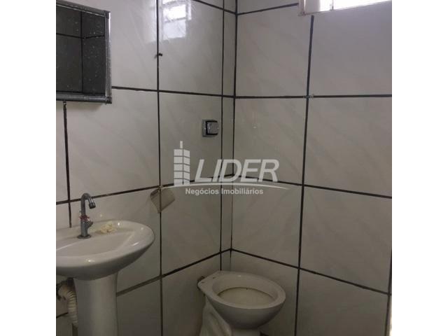 Casa para alugar com 3 dormitórios em São jorge, Uberlândia cod:804306 - Foto 8