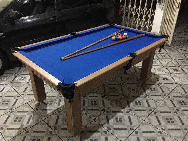 Mesa Tentação 4 Pés Laterais Cor Cerejeira Tecido Azul Mod. DEBF2454