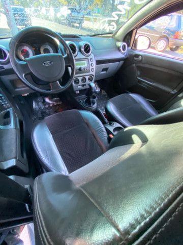 Ford Fiesta 2009 1.6 c/banco de couro e roda de liga - Foto 6