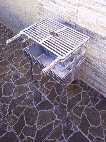 ( Nova) Churrasqueira Grande Desmontável Alumínio + Grelha - Foto 2