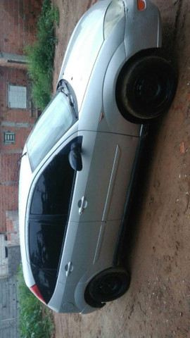 Ford Focus ano 2003 - Foto 2