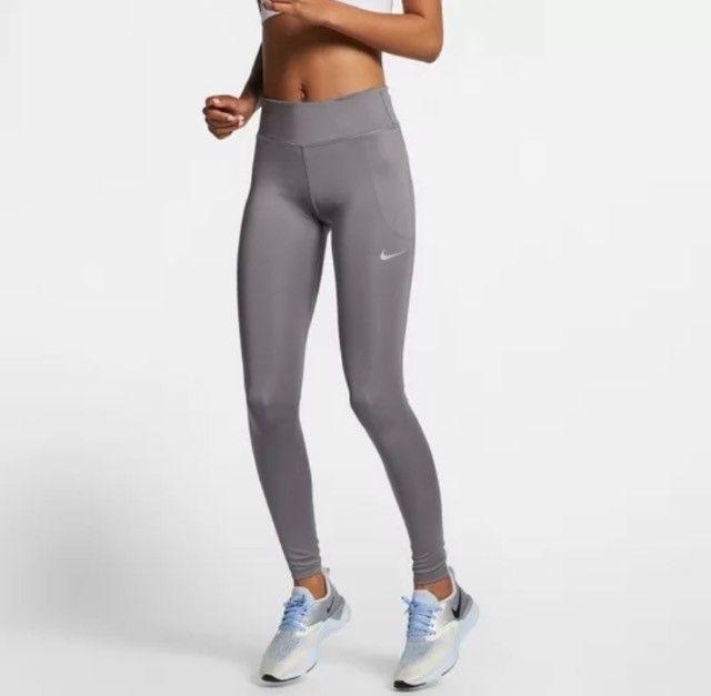 Calça Legging Nike Fast Tight Mr Feminina - Cinza+Prata GG