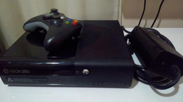 Vendo Xbox 360 Super Slim Bloqueado