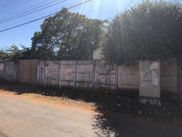 Lote mais casa Jd das Oliveiras ao lado feira do Maysa