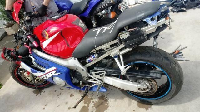 Moto Para Retirada De Peças/sucata Honda Cbr 600 F Ano 2001 - Foto 2
