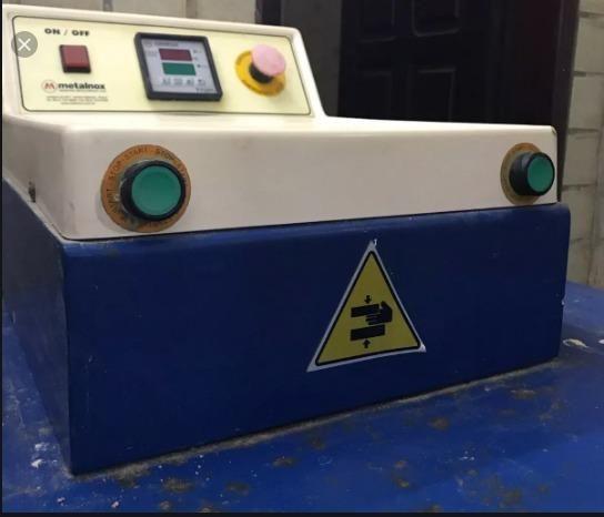 Prensa Sublimática Pneumática Metalnox 50x40 PT 800 com compressor