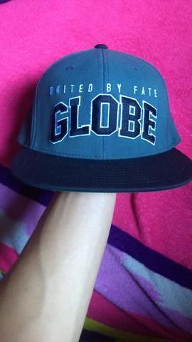 Boné Globe novo